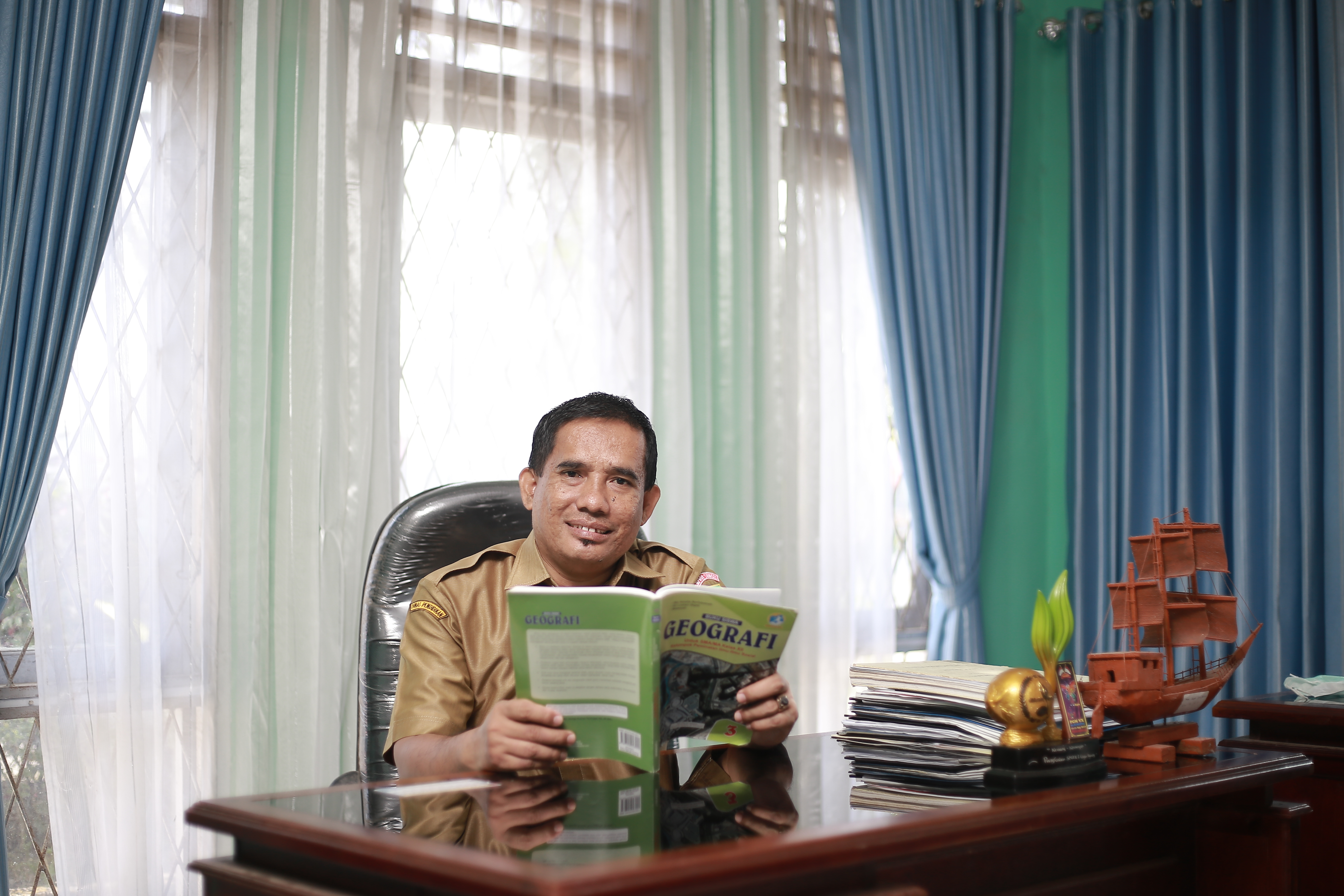 Pj. Akademis